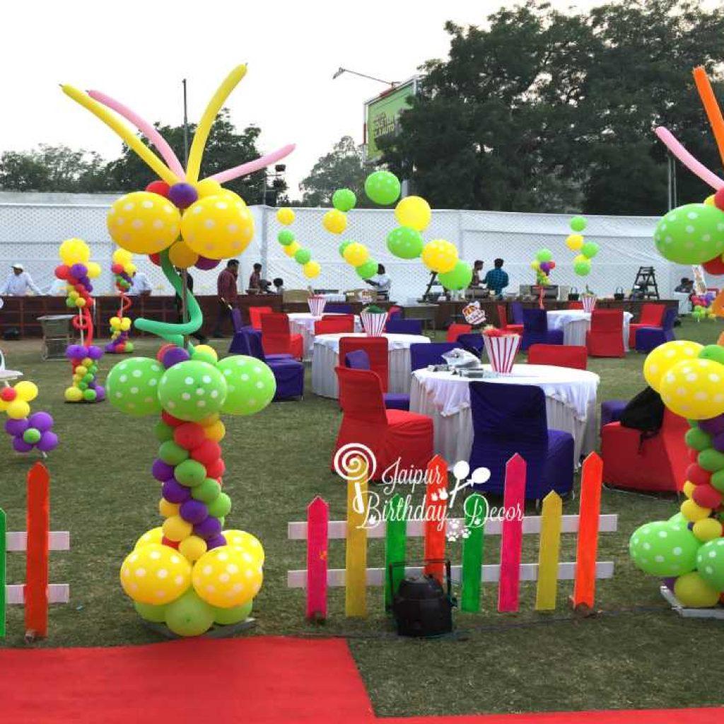 Balloon Standees
