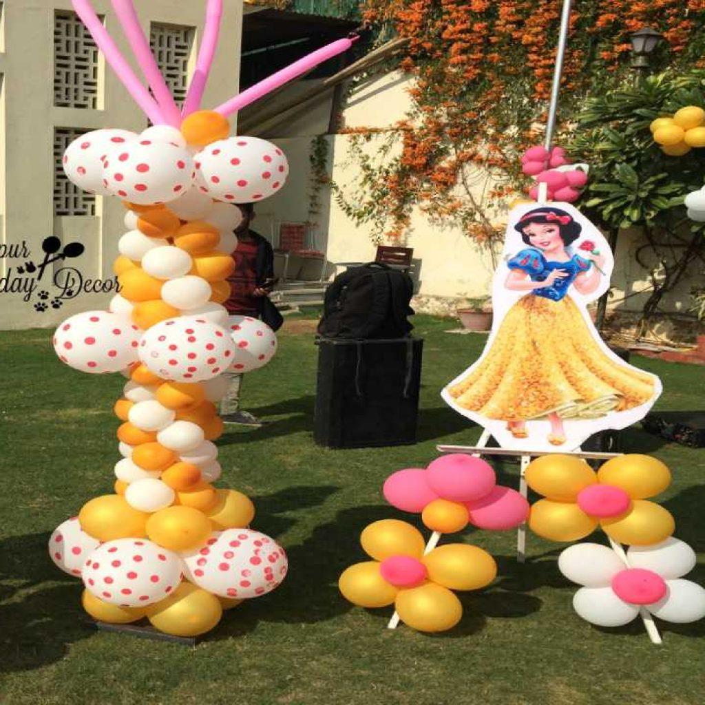 Cutout & Balloon Standee
